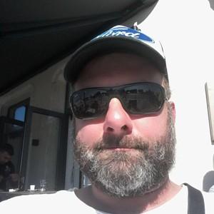 Homme brun chaud de47ans àTournai